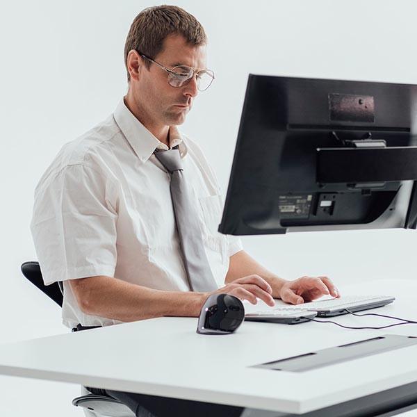Pavé numérique UltraBoard 955 pour une bonne posture et réduire les TMS